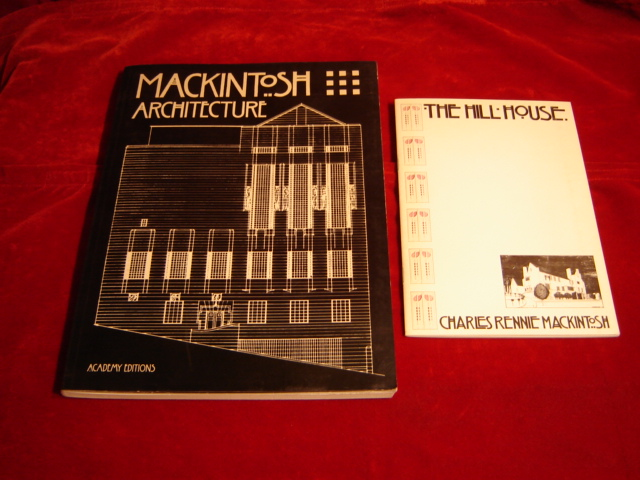Mackintosh Architecture. The Complete Buildings and Selected Projects. First edition. - Cooper, Jackie and Barbara Bernard